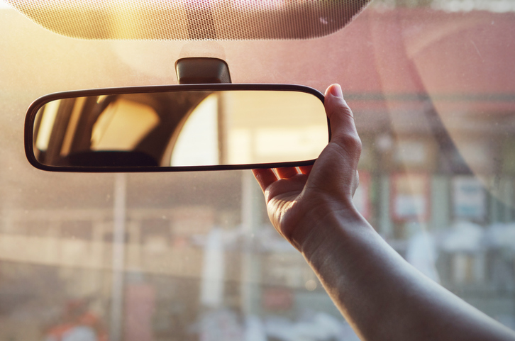 adjusting-your-car-mirrors-in-hawaii